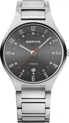 Bering Herrenuhr Titanium Silber 11739-772